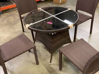 Outdoor 5 piece Wicker Round Dinning Table   Chairs