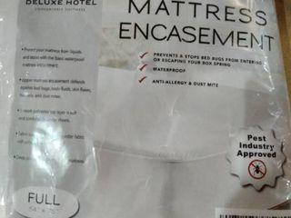 Deluxe Hotel Mattress Encasement  Full 54 x 75  White