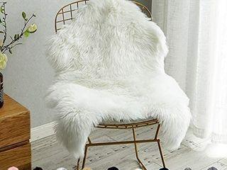 Soft Fluffy Faux Sheepskin Fur Area Rug for Bedroom Floor Sofa living Room 3 x 4 Feet