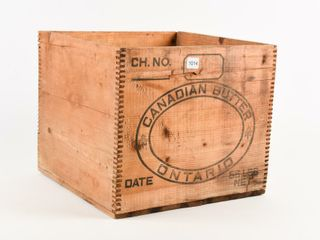 CANADIAN BUTTER ONTARIO 56 lBS WOODEN BOX