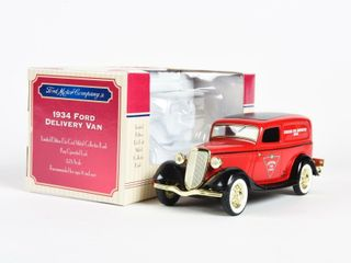 CANADIAN TIRE 1934 FORD DElIVERY VAN BANK  BOX