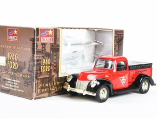 CANADIAN TIRE 1940 FORD lIMITED EDITION BANK  BOX