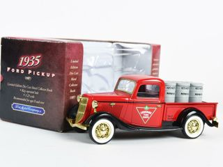 CANADIAN TIRE FORD 1935 PICKUP TRUCK BANK  BOX