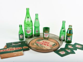 GROUPING OF CANADA DRY BOTTlES   COllECTIBlES