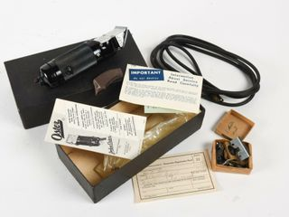 VINTAGE OSTER MODEl 89 ElECTRIC ClIPPER   NOS  BOX