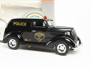 lIBERTY 1937 CHEVROlET NO 1 KITCHENER POlICE BANK