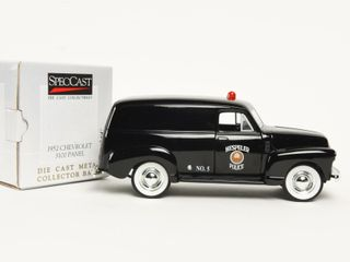 SPECCAST 1952 CHEVROlET PANEl NO  5 POlICE BANK