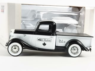 SPECCAST OlD AUTOS 1967 CHEVY COllECTOR BANK  BOX