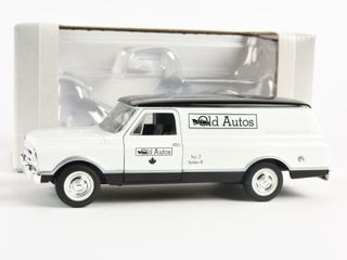 SPECCAST OlD AUTOS NO  2 1935 FORD BANK  BOX