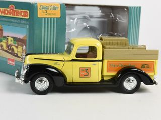 HOME HARDWARE 1940 FORD PICKUP TRUCK BANK  BOX