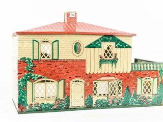 VINTAGE CHIlD S PlAY HOUSE