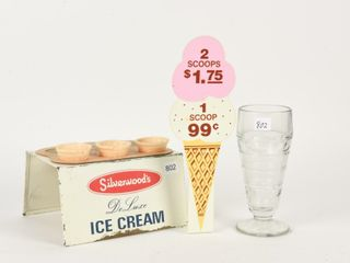 lOT OF 4 ICE CREAM COllECTIBlES