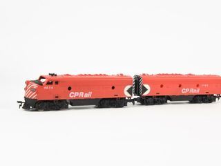 GROUPING OF 2 CP RAIl 4056 ENGINE   CAR 1908