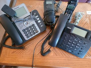 lot of Home office Phones  Total of 4