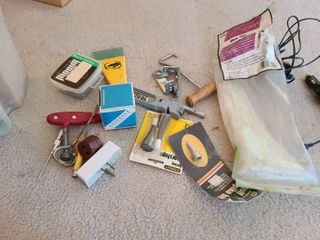 Small lot of garage items