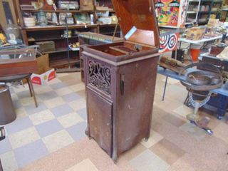 Edison Amberola Player   Cabinet  80  Blue Rolls   Player is Disassmebled   Cabinet it good   Needs TlC and Cleaning