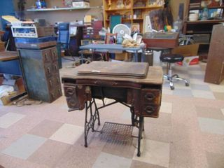 White Sewing Machine Cabinet   Treadle   With Machine   Cabinet in Poor shape Needs work
