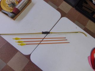Recurve Bow with Arrows
