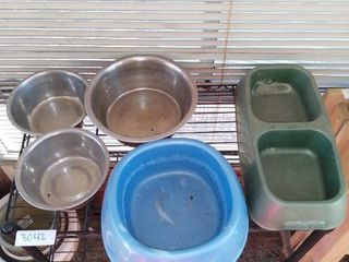 lot of 5 Metal and Plastic Dog Bowls