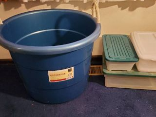 lot of 4  large Rope Handle Tub with 3 Small Plastic Bins with lids
