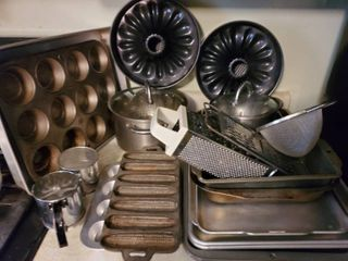 Mega lot of Kitchen Oven Pans  Pot with Metal Strainer Inserts  Corn Cobb Baking Iron Tray