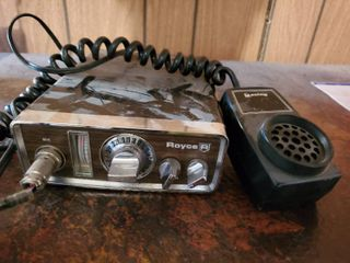 Royce AM CB Mobile Transceiver  Model 1 600B  With Mic
