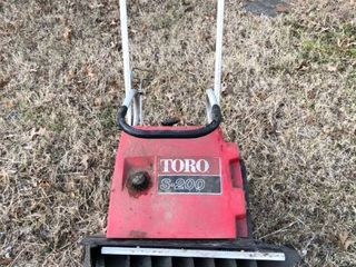 Toro S 200 Snow Blower Unknown Condition with Key location Shed