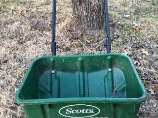 Scotts Brand Speedy Green 3000 Seed Spreader Unknown Condition location Shed