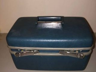 Blue Samsonite Train Case in Good Condition Gently Used location Storage Room