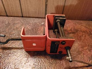Black and Decker Portable Table Vise