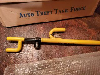 lot of 2 Automotive Steering Wheel lock with Keys