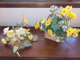 lot of 2 Plastic Flower Arrangements Spring Themed