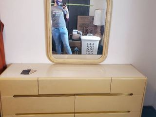 lane Cedar MCM 7 Drawer Dresser with Original Mirror