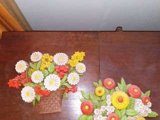 lot of 2 Syroco Plastic Flower Arrangement Wall Hangings