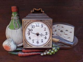 Italian Themed Plastic Kitchen Clock Untested