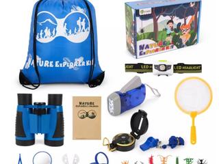 D FantiX 24 Piece Nature Explorer Kit