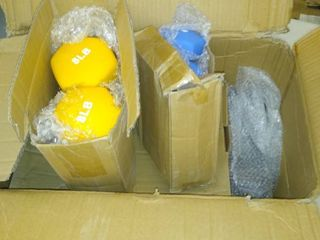 Dumbbell Set With Stand   2 yellow 8lb   2 Blue 5 lb