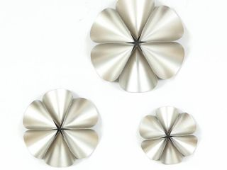 luxen Home 3 piece Silver Flower Wall Decor
