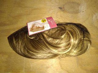 Sarla 16  Wavy Blonde Wig