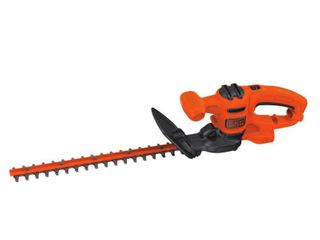 BlACK DECKER BEHT150   3 2AMP 17IN ElECTRIC HEDGE TRIMMER