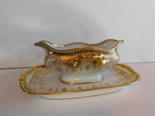 Gravy Boat w Attached Saucer