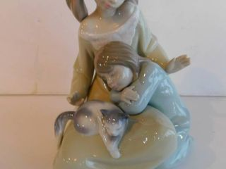 lladro   Two Sisters   Their Kitty  Retired Figurine