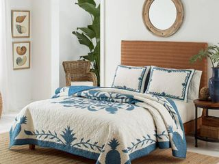 Tommy Bahama Aloha Pineapple Blue King Quilt and Coordinating Sham Separates  Retail 159 97