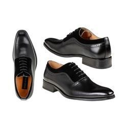 Gino Vitale Men s lace Up Medallion Toe Dress Shoes in Black Size 9