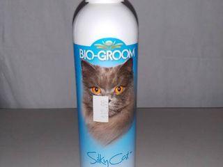 Bio Groom Silky Cat Tearless Protein lanolin Shampoo 8 Ounce Bottle