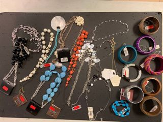 lot of 20 NEW Fashion Jewelry Items