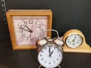 Clocks set of 3  tallest is 7