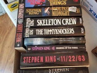 Stephen King hardbacks books and 2 paperbacks