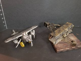 Metal airplanes with magazines manuals