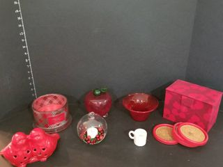 Red decor pieces